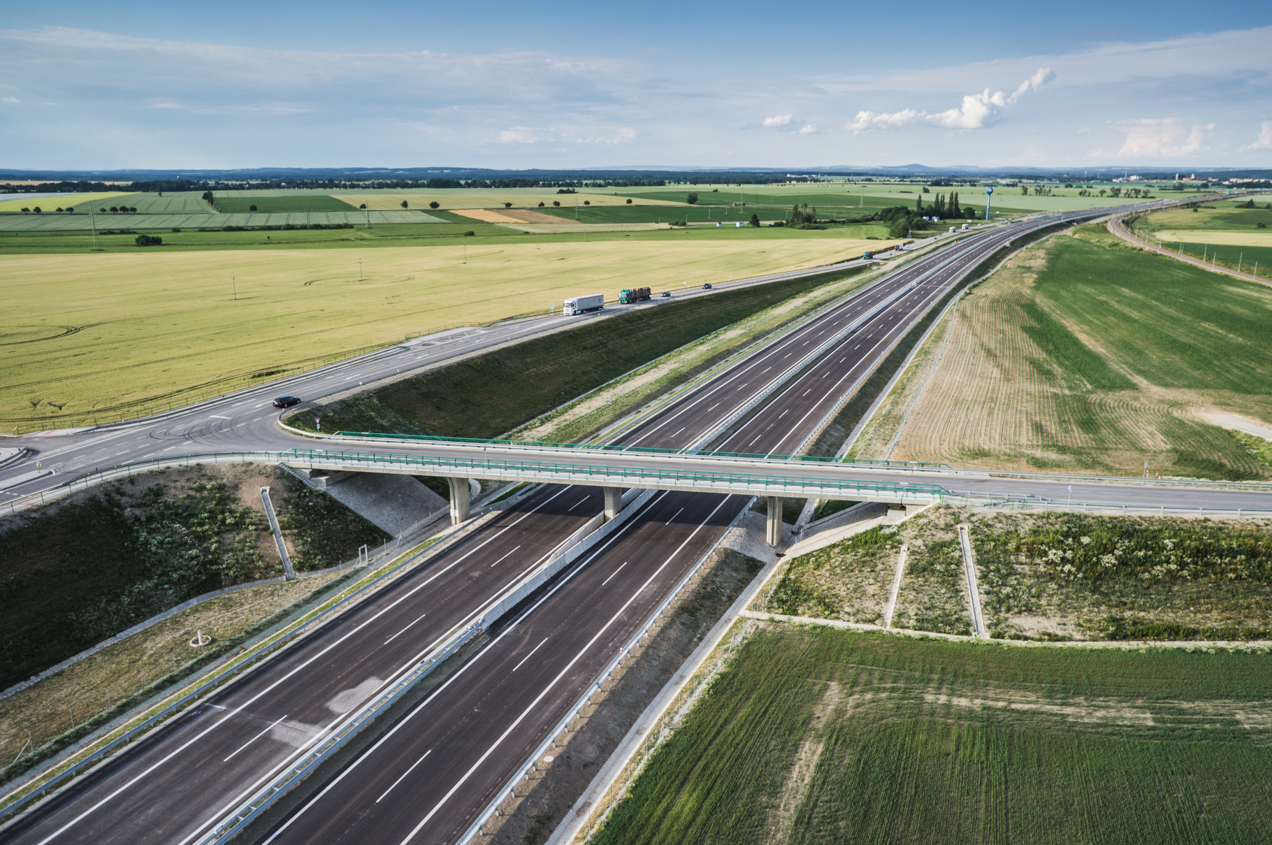 D3, Bošilec - Ševětín - Construction de routes et de ponts